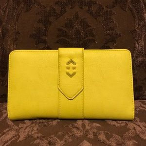 Stella & Dot - Soho Flip Wallet